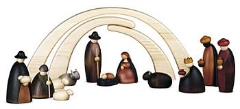 Krippenfiguren mit Stall