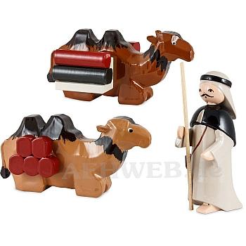 1 Kameltreiber mit 2 liegenden Kamelen lackiert 7 cm Krippen
