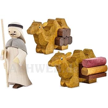 1 Kameltreiber mit 2 liegenden Kamelen gebeizt 7 cm Krippen