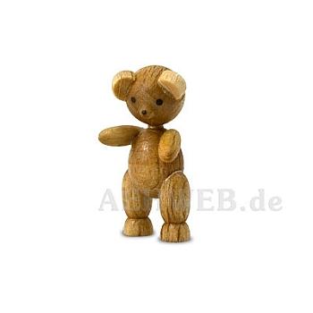 Bärenkind stehend
