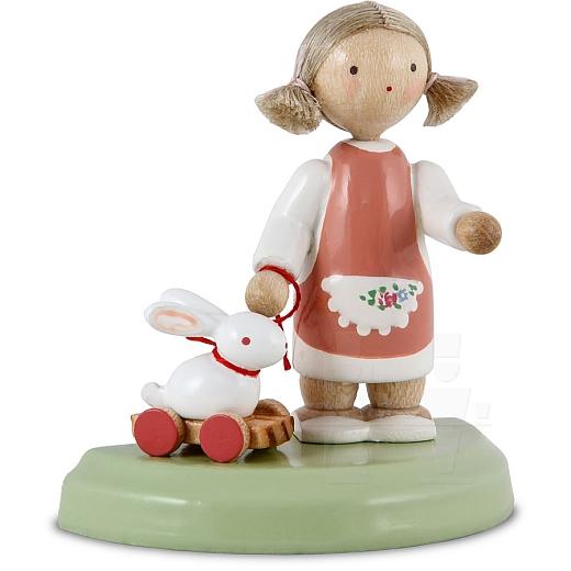 Kleines Mädchen mit Häschen