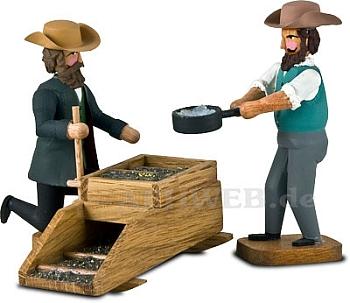 Zwei Goldwäscher mit Schüttelgerät