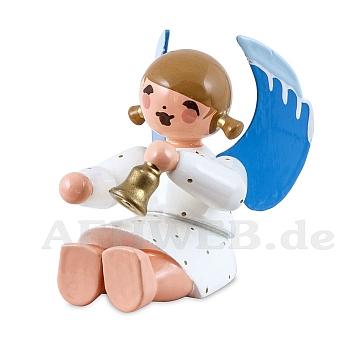 Engel sitzend mit Glocke weiß