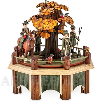 Music Box Saxonian hunters with oak with fall leaves