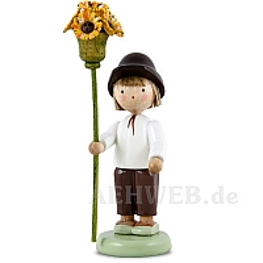 Junge mit Blütenzepter