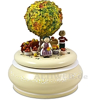 "Music Box ""The Old Apple Tree In Autumn"""