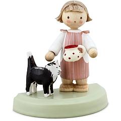 Kleines Mädchen mit schwarzer Katze