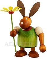 Maxi Hase mit Blume grün