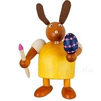 Hase mit Pinsel und Ei gelb mittel