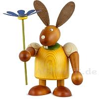 Maxi Hase mit Blume gelb