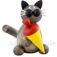 Katze Karl mit Schultüte