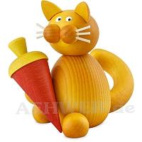 Katze Emmi mit Schultüte