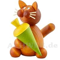 Katze Charlie mit Schultüte