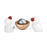 2 Vögel und Nest mit Ei