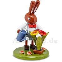 Hase mit Blumen und Gießkanne 16 cm