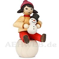 Schneemannbauerin auf Schneekugel gebeizt von Ulmik