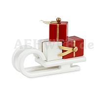 Schlitten mit Geschenken weiß
