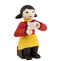Kaffeekränzchen Winterkind Mädchen mit Kaffeetasse gebeizt